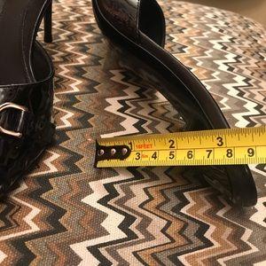 Gucci Shoes - Gucci open toe slides size 38